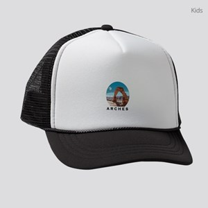 ARCHES OVER ALL Kids Trucker hat