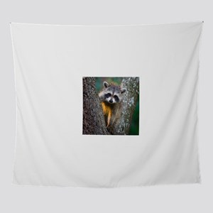 lrg_single_raccoon_clse_up Wall Tapestry