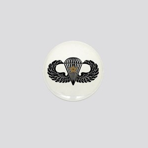 Combat Parachutist 1st -- B-W Mini Button