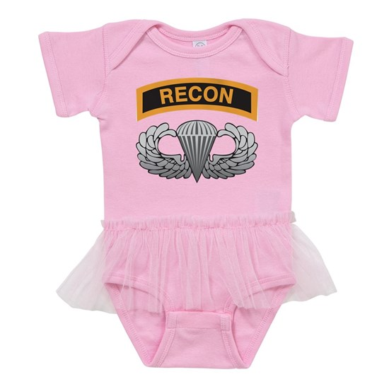 Recon tab with Airborne wings