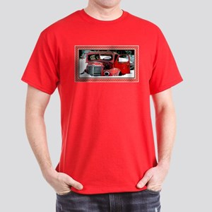Keeshond - Old Car Christmas Dark T-Shirt