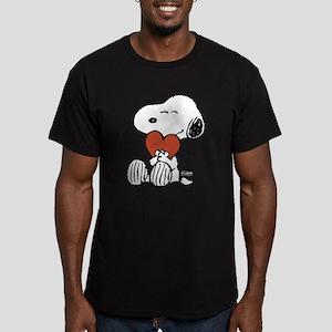 Snoopy Hugs Heart Men's Fitted T-Shirt (dark)