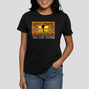 THE LAST BATTLE Women's Dark T-Shirt