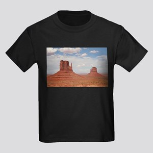 Monument Valley, Utah Kids Dark T-Shirt