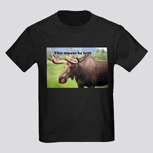 This moose be love: Alaskan moose Kids Dark T-Shir