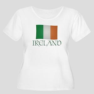 Ireland Flag Women's Plus Size Scoop Neck T-Shirt