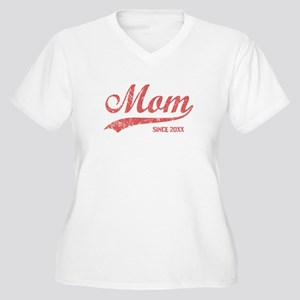 Personalize Mom S Women's Plus Size V-Neck T-Shirt