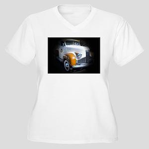 Studebaker Women's Plus Size V-Neck T-Shirt