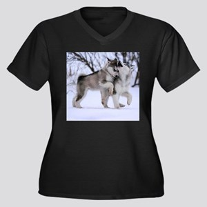 Wolves Playing Plus Size T-Shirt
