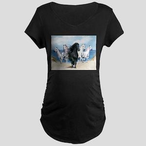Wild Black Beauty Leader Maternity T-Shirt