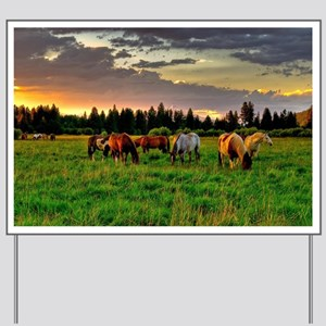Horses Grazing Yard Sign