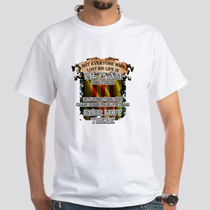 Vietnam Veteran T-shirt - Not everyone who T-Shirt