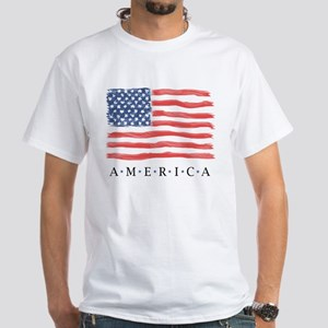 a882372b American Flag / Traditional Design - T-Shirt