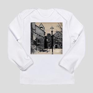 vintage church street light Long Sleeve T-Shirt