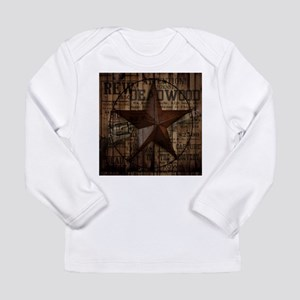 primitive texas lone star cow Long Sleeve T-Shirt