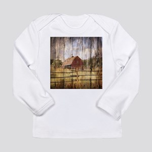 farm red barn wood texture Long Sleeve T-Shirt