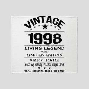 VINTAGE 1998-LIVING LEGEND Throw Blanket