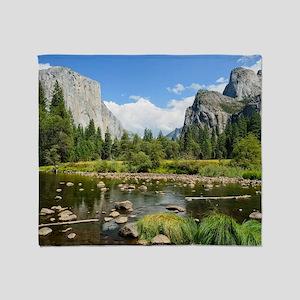 Valley View in Yosemite National Par Throw Blanket
