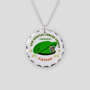 SOF - 5th SFG Beret - Vietnam. Necklace Circle Cha