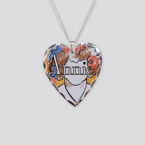 Annie_ornament_oval Necklace Heart Charm