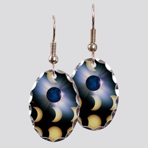 Total solar eclipse, artwork - Earring Oval Charm