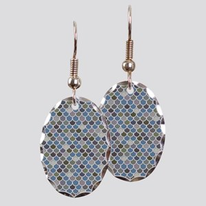 Overlapping Scallops Earring Oval Charm