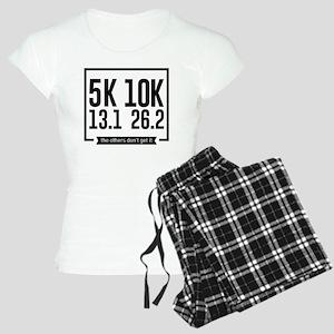 5K 10K 13.1 25.2 Runners Running Marathon Pajamas