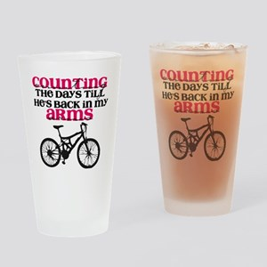 mg2bgtack Drinking Glass