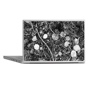 Litter crop for duvet Laptop Skins