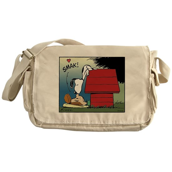 Peanuts Kiss And Makeup: Snoopy Kiss Messenger Bag By SnoopyStore