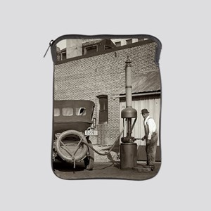 Vintage garage Old Car iPad Sleeve