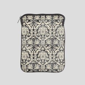 Popular Vintage Black White Damask Pattern iPad Sl