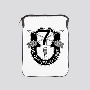 7th Special Forces - DUI - No Txt iPad Sleeve