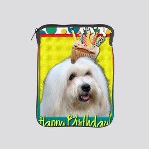BirthdayCupcakeCotondeTulear iPad Sleeve