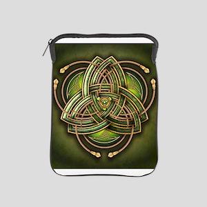Green Celtic Triquetra iPad Sleeve