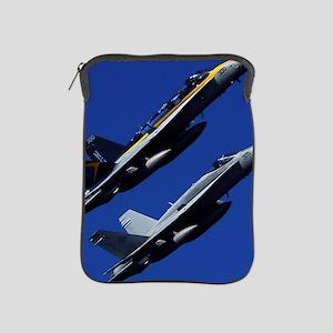 CP-SMPST 090702-N-6538W-134 PR iPad Sleeve