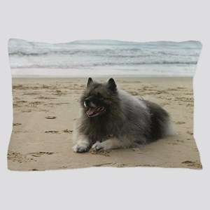 keeshond on beach ls Pillow Case