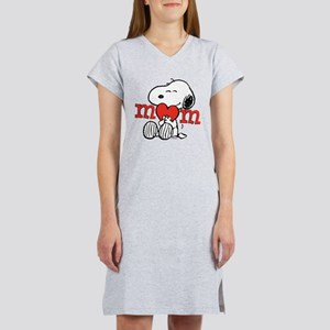 Snoopy Mom Hug Women's Nightshirt