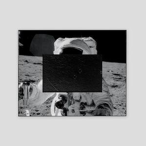 Apollo 12 Astronauts explore the Moo Picture Frame