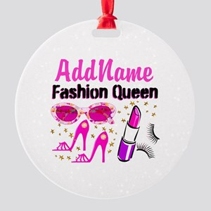 FASHION QUEEN Round Ornament