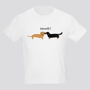 Dachshund Smooch Kids Light T-Shirt