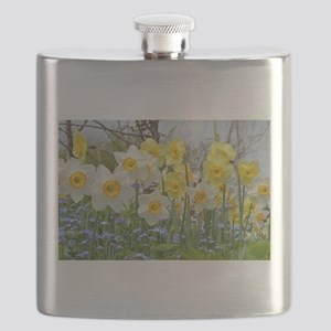 White and yellow daffodils Flask