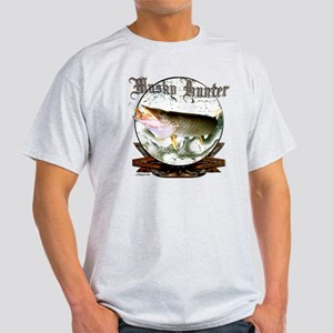 Musky hunter a Light T-Shirt