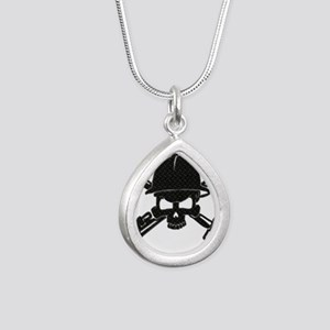 black diamond plate oilfield skull Necklaces