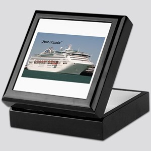 Just cruisin': Dawn Princess Keepsake Box