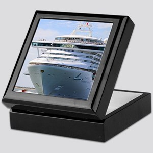 Cruise ship 13: Diamond Princess Keepsake Box