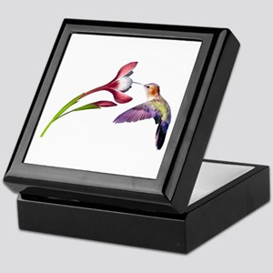 Hummingbird in flight Keepsake Box