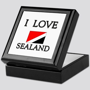 Container Maersk Sealand Tracking Jewelry Boxes - CafePress