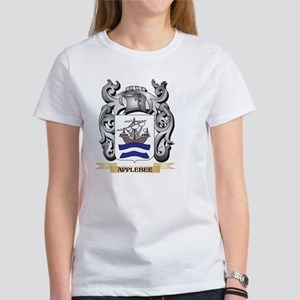 Applebee Family Crest - Applebee Coat of A T-Shirt