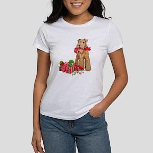 Airedale Terrier Christmas Women's T-Shirt
